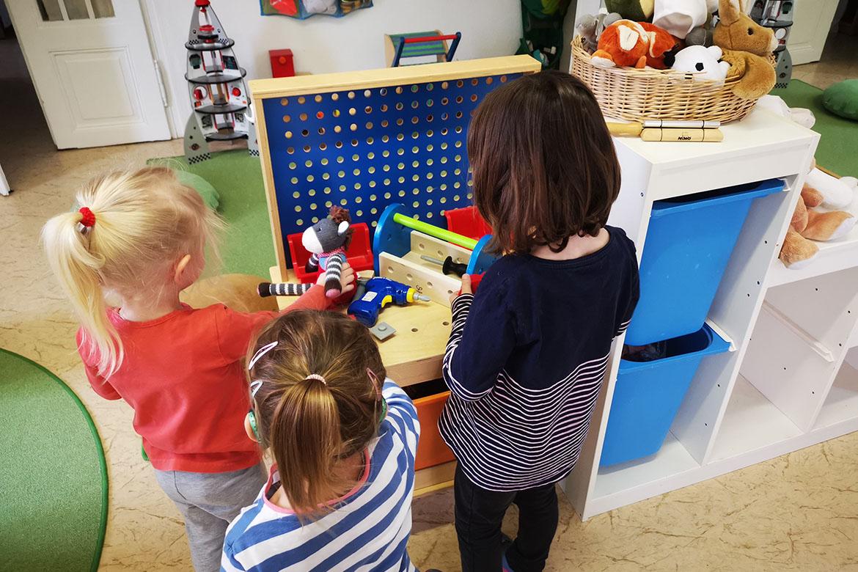 Kinder beim Spielen_Kita zur Bimmelbahn_web©ASB Dresden & Kamenz gGmbH.jpg