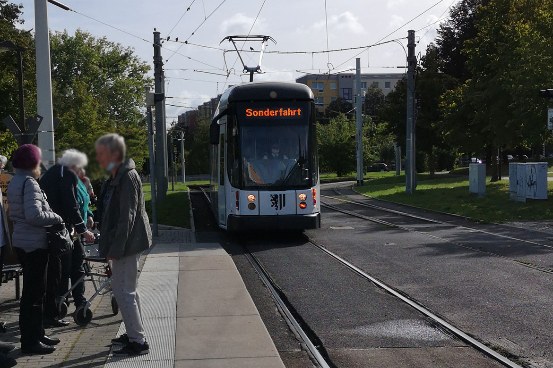 Ausflug mit der Strassenbahn_Bewohner HDG_web©ASB Dresden und Kamenz (3).jpg