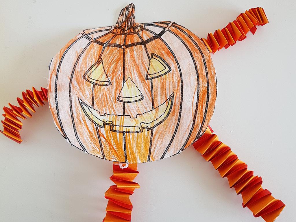 Halloween Kuerbis mit Hexentreppen_quer_web.jpg